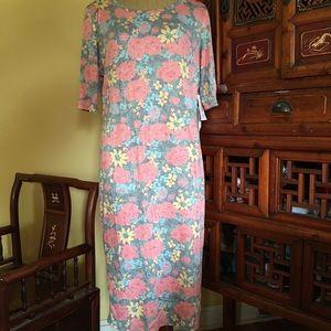 Lularoe pretty rose 🌹 garden Julia sheath dress!